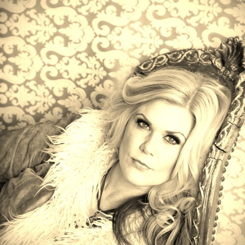 Allison August's avatar