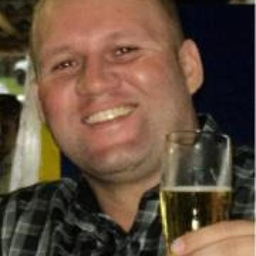 juliano1717's avatar