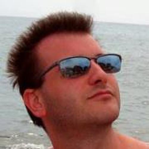 Alessio Piovesan's avatar