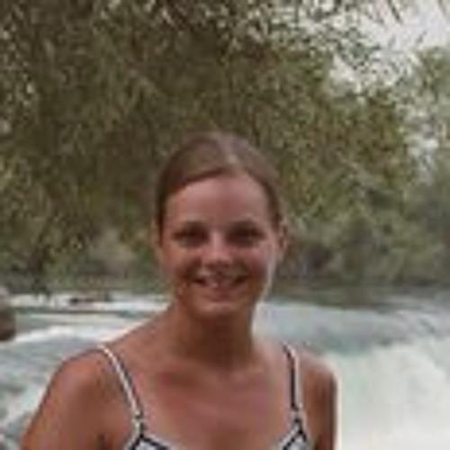 Nina Daub's avatar