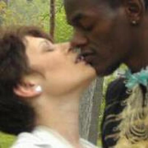 Teresa Kamau's avatar