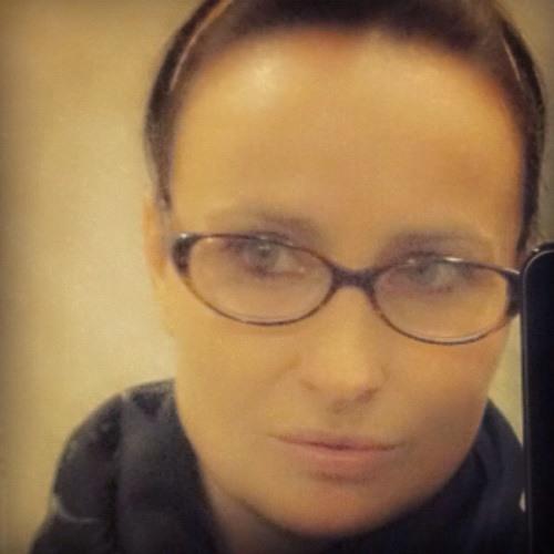 EllaB74's avatar