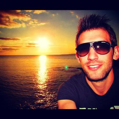 Tiago Machado's avatar