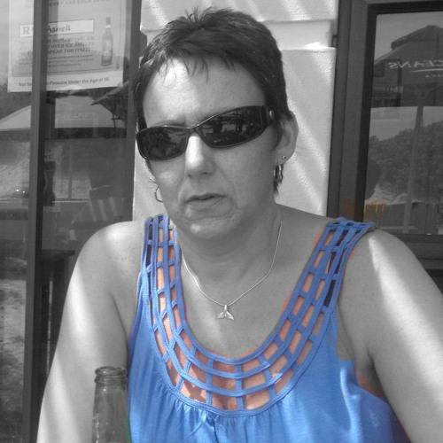 Michelle Hazelwood's avatar
