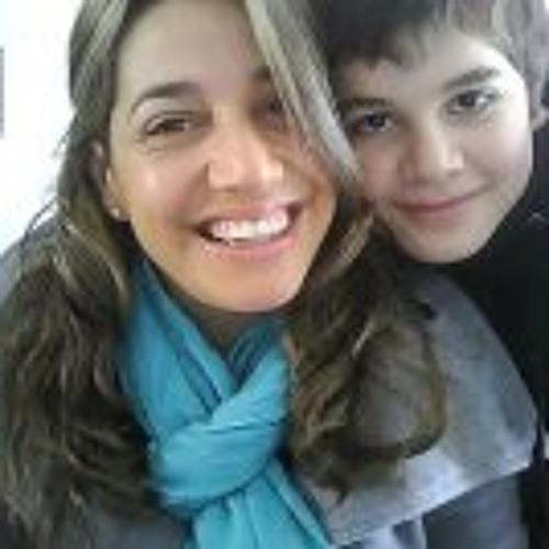 Lorena Viera's avatar