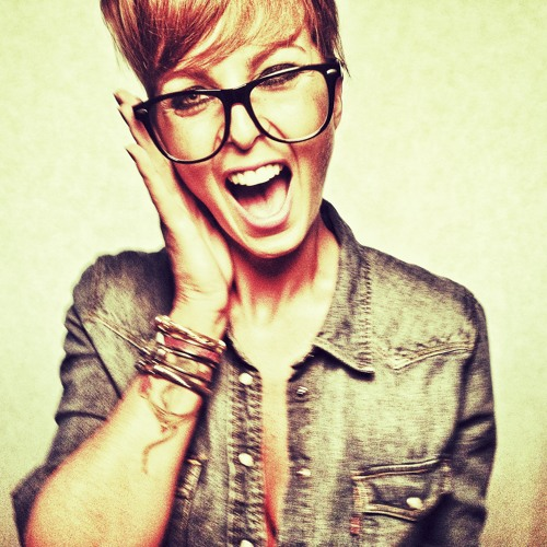 Bruna Tang's avatar