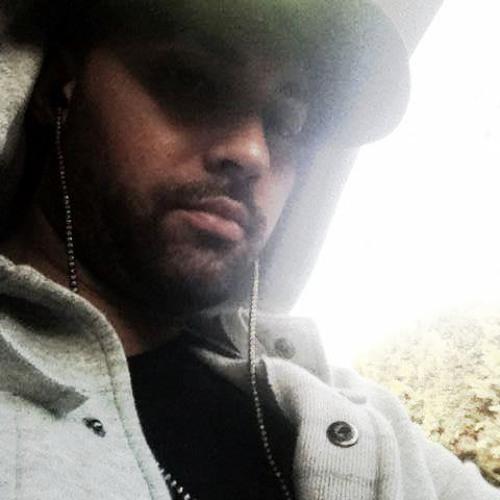 Mario C Rojas's avatar