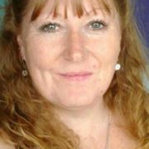 Karen Anne Humphries's avatar