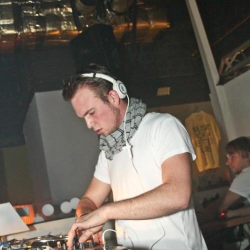 Sven Phoenix's avatar