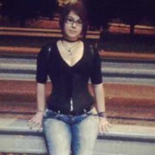 Laura Ivan's avatar