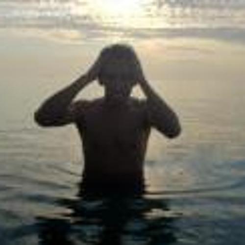 Charlie Garcia 7's avatar