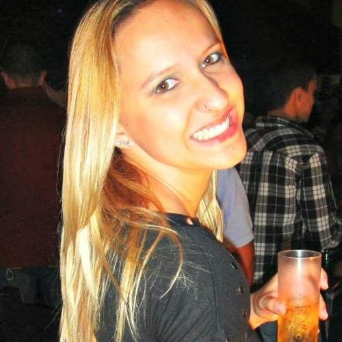 Debi Pitarello's avatar