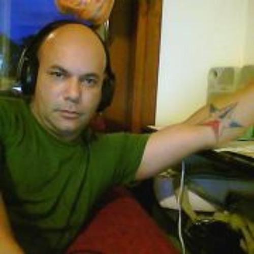 Alfredo Gonzalez Peguero's avatar