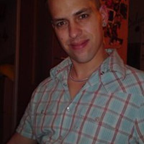 Rene Glier's avatar