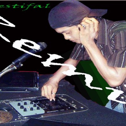 DJ JIMMY PHO3N1X's avatar