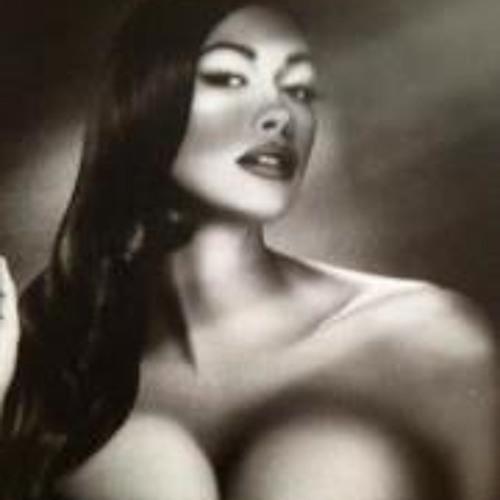 Dee Taylor 2's avatar