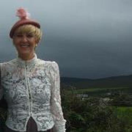 Niamh Mac Sweeney's avatar