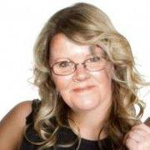 Julie Eaton's avatar