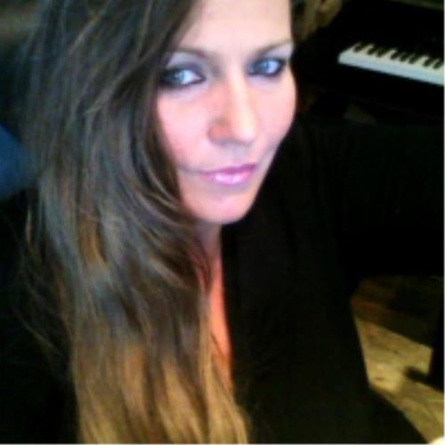 Li Li Ruth Neuber's avatar