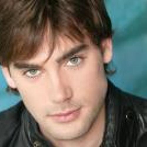 Daniel Eduardo Haliwell's avatar
