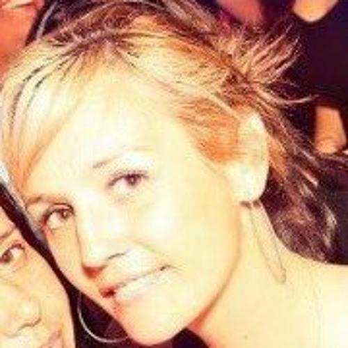 Kat Hollis's avatar