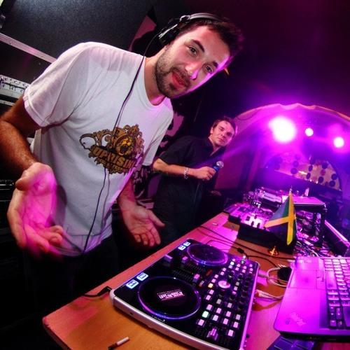 DJ DWEET's avatar