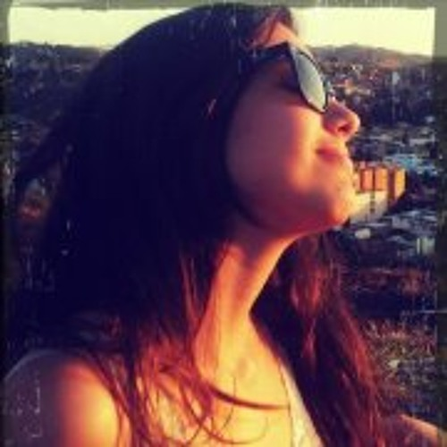Isadora Leandro's avatar