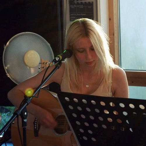 Kate Elizabeth's avatar