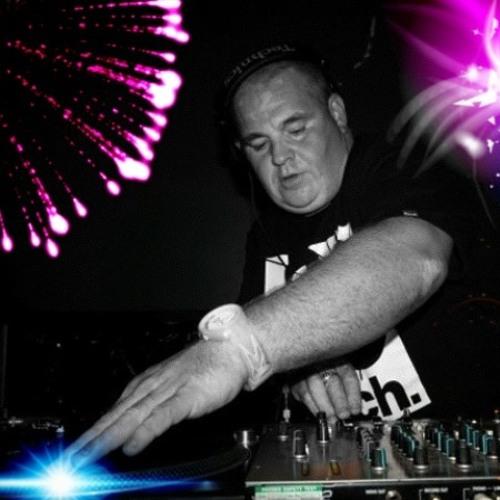 DJ JON RUSSELL's avatar