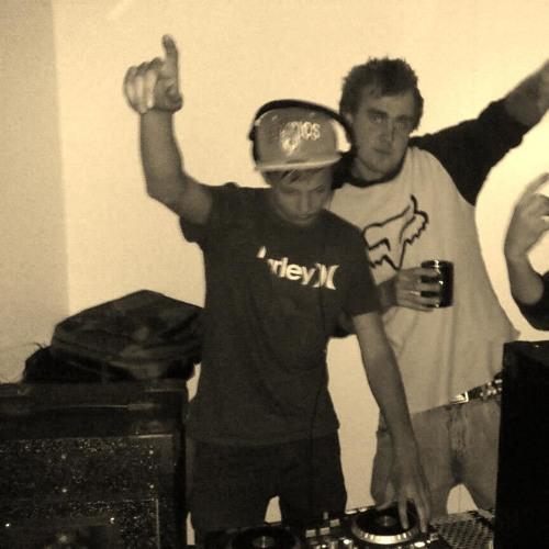 DJ Akerz's avatar