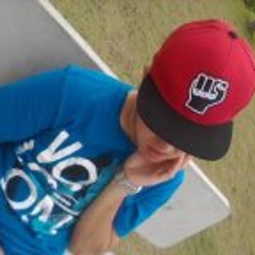 Luan Bombilio's avatar