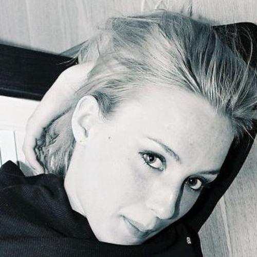 Tilly Ci's avatar