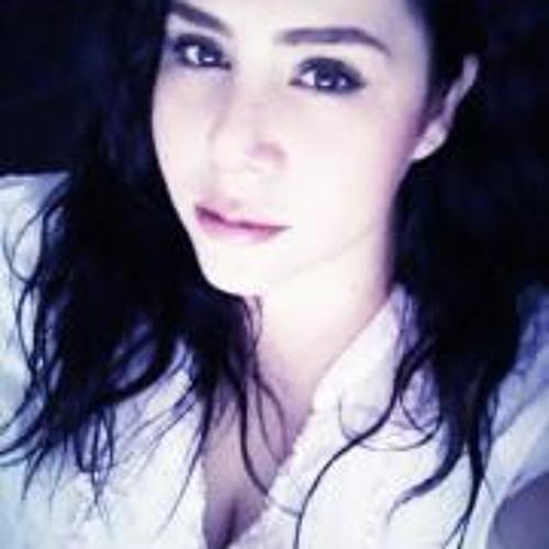 liza Peralta's avatar