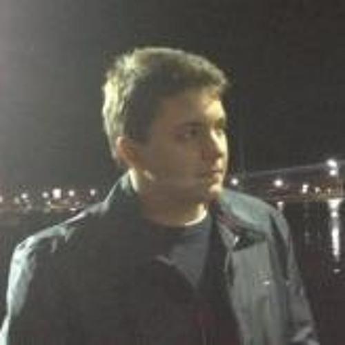 Gustavo Cruzeta's avatar