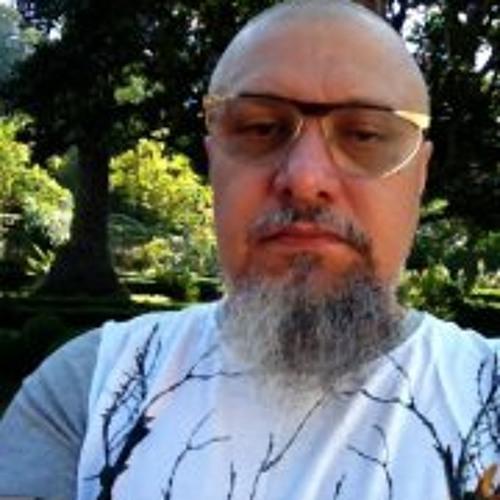 Efrain Almeida's avatar