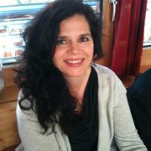 Larissa Rizzi's avatar