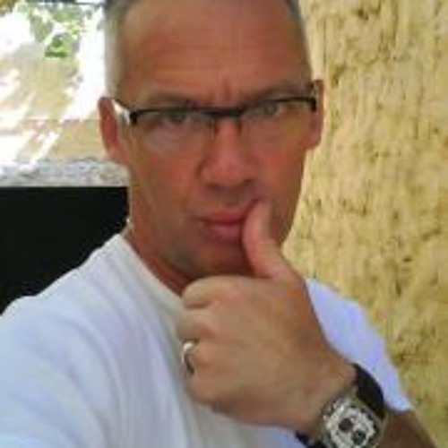 Luis A. Fernandes's avatar