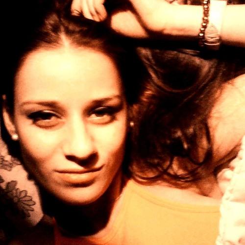 Petcu Laura's avatar