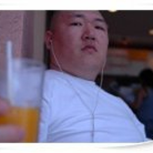 Vandolph Lee's avatar