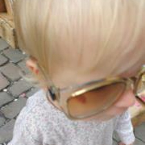 Nadine Bastian's avatar