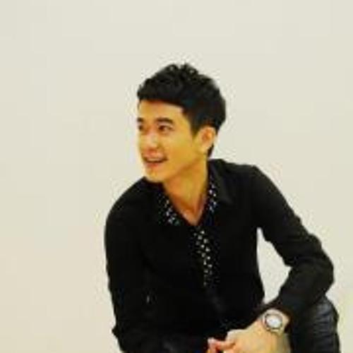 Uchi Chiew 周佑志's avatar