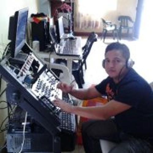 Holger Chavez's avatar