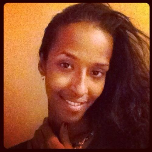 yasmin9988's avatar