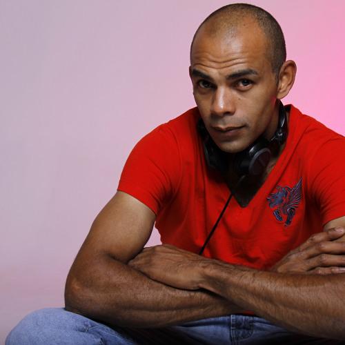 DJ DIEVANDRO's avatar