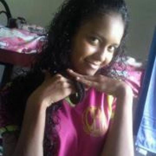 Maynara Fernandes's avatar