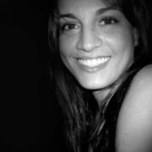 Bruna Calheiros's avatar