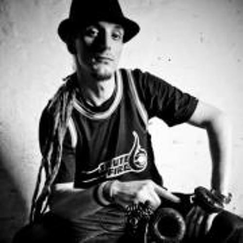 DJ IRIEVIBE (SALUTEFIRE)'s avatar