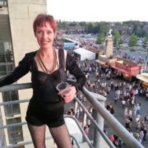Carol Anderson 6's avatar