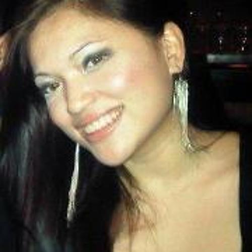 Niña Valera's avatar
