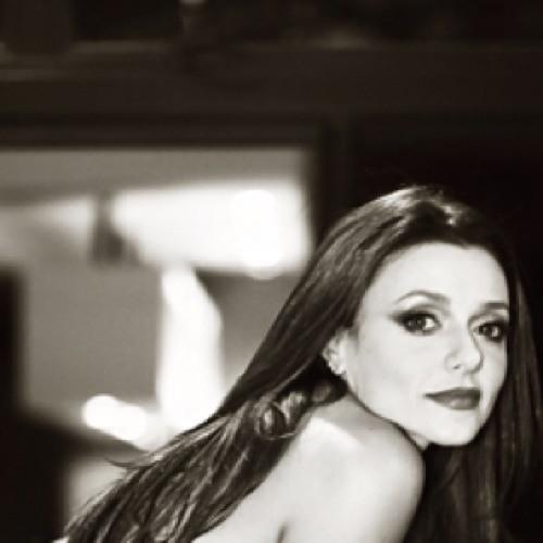 Fernanda Viana Dias's avatar